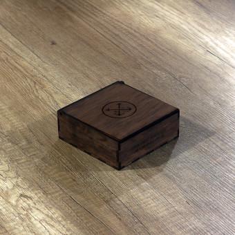 Деревянная подарочная коробочка