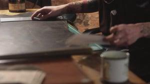 Изготовление корпоративных аксессуаров из кожи на заказ